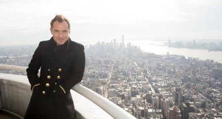 Jude Law visits the Empire State Building