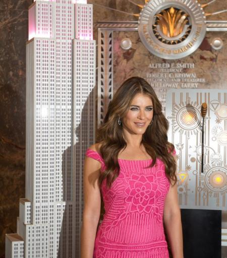 Elizabeth Hurley visits the Empire State Building
