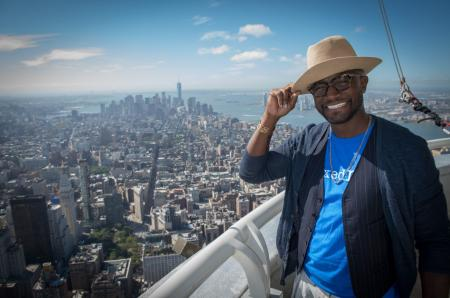 Taye Diggs visits the Empire State Building