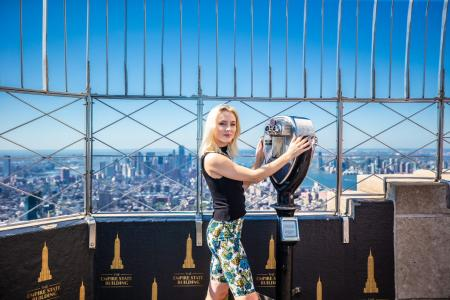 Zara Larsson visits the Empire State Building
