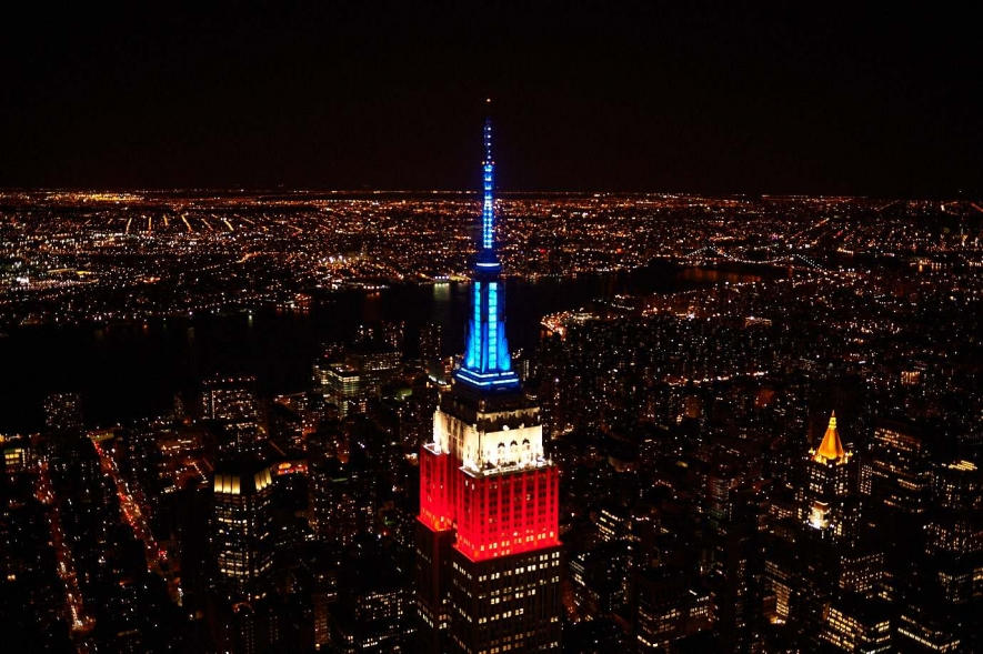 COOL: Empire State Building Lights Up To Pentatonix's Christmas Tune!