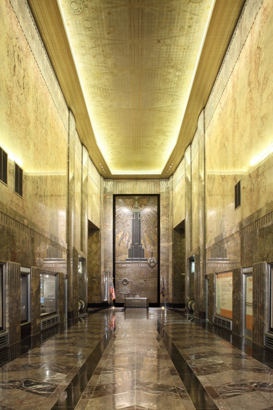 Lobby empire state building for New york life building interior